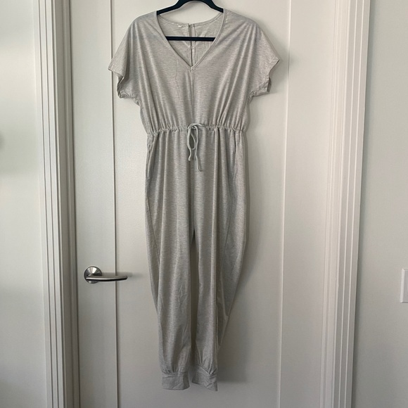 Adorable casual gray jumpsuit with jogger leg!
